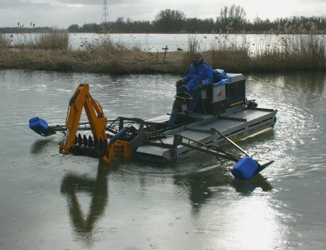 Aquatic Amphibious Excavator Machine USA